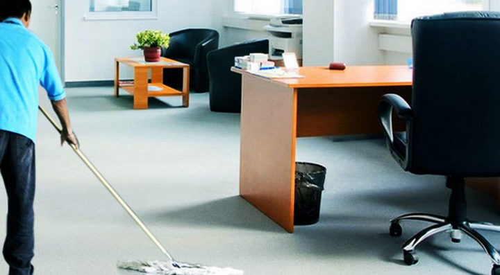 cleaning office1